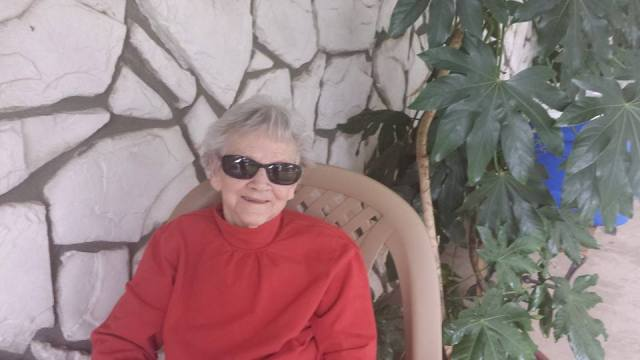 Granny doing her best Lou Reed inpersonation.