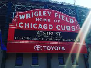 wrigley field, cubs, travel